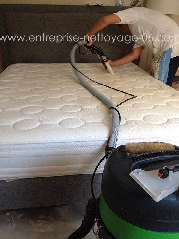 Nettoyer un matelas tach d urine with nettoyer un matelas tach d urine perfect comment - Comment enlever une vieille tache d urine sur un matelas ...